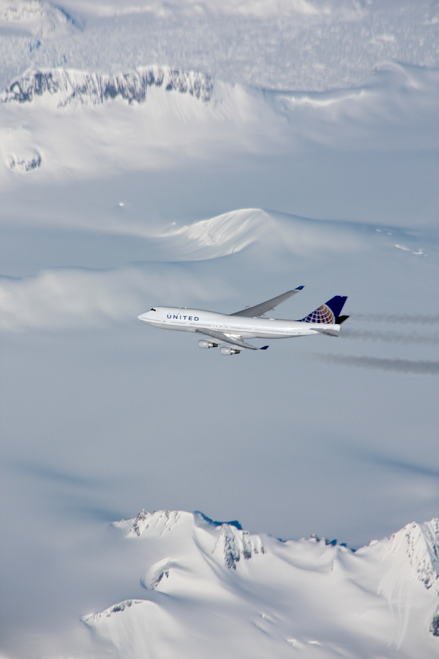 Photo of UAL 747-400 over Greenland